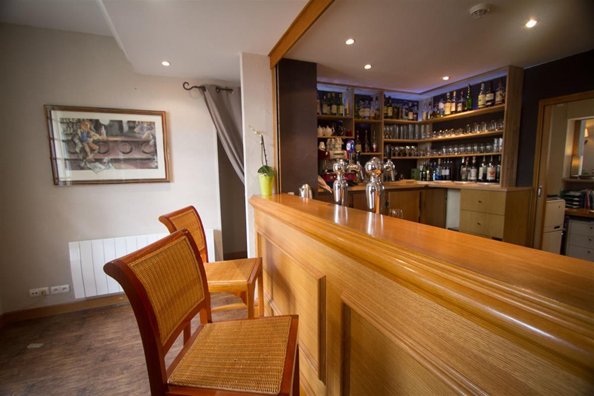 Bar salon terrasse et jardin pr s de sabl sur sarthe h tel 3 et restaurant gastronomique - Salon de jardin bar ...